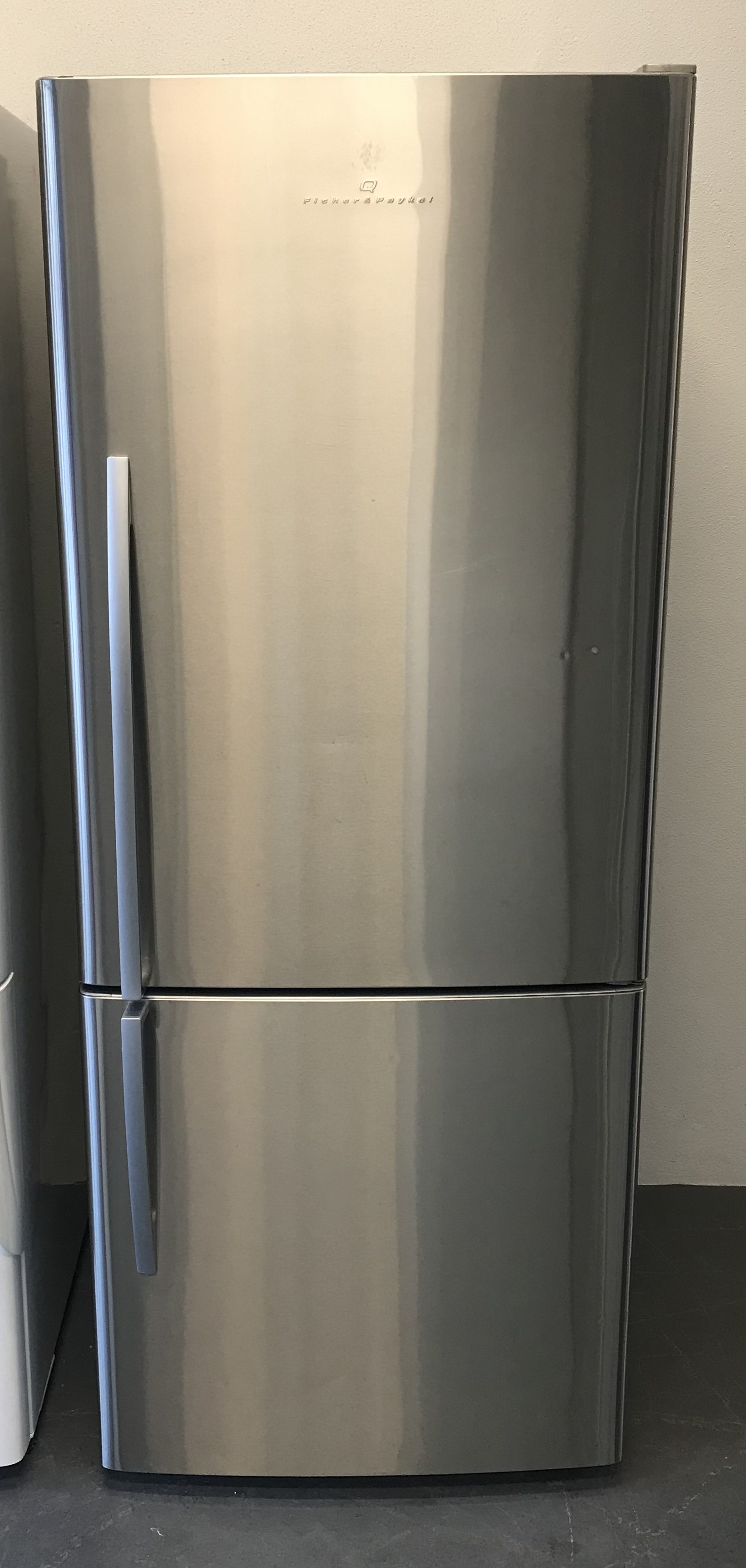 Stainless F&P Fridge/Freezer