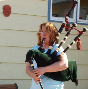 Cherie and bagpipes