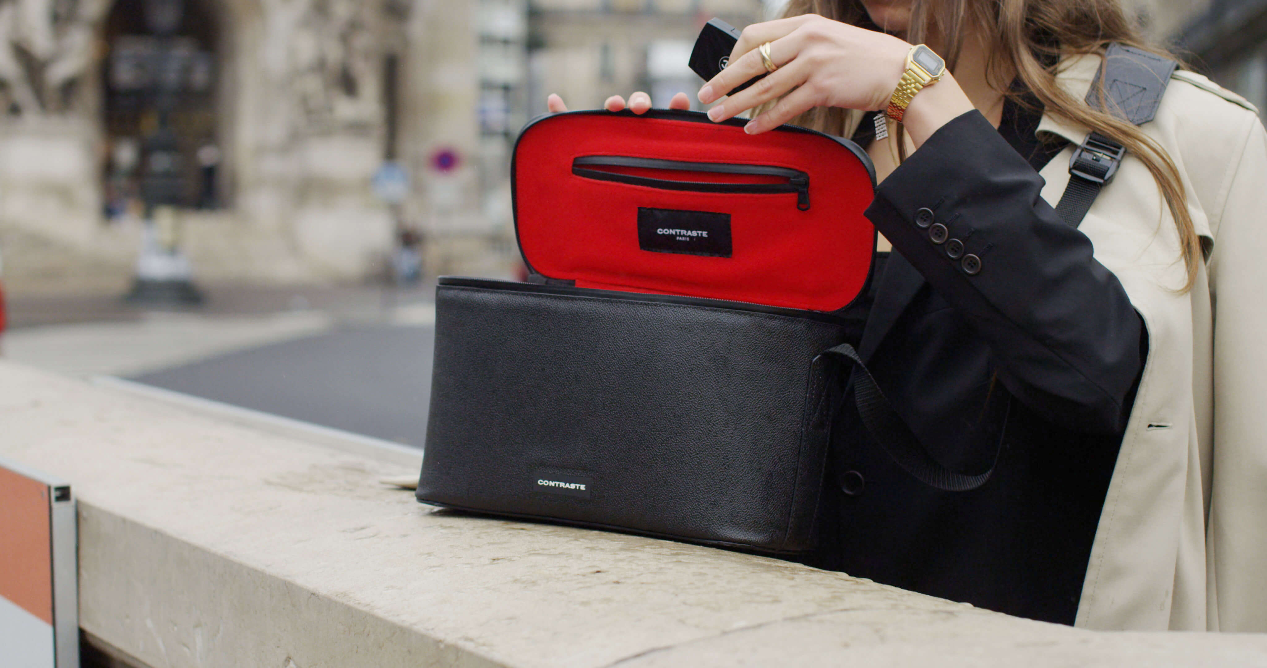 sac photo bandoulière contraste paris cuir noir étanche voyage photographe compact messenger leica ordinateur femme randonnée contraste