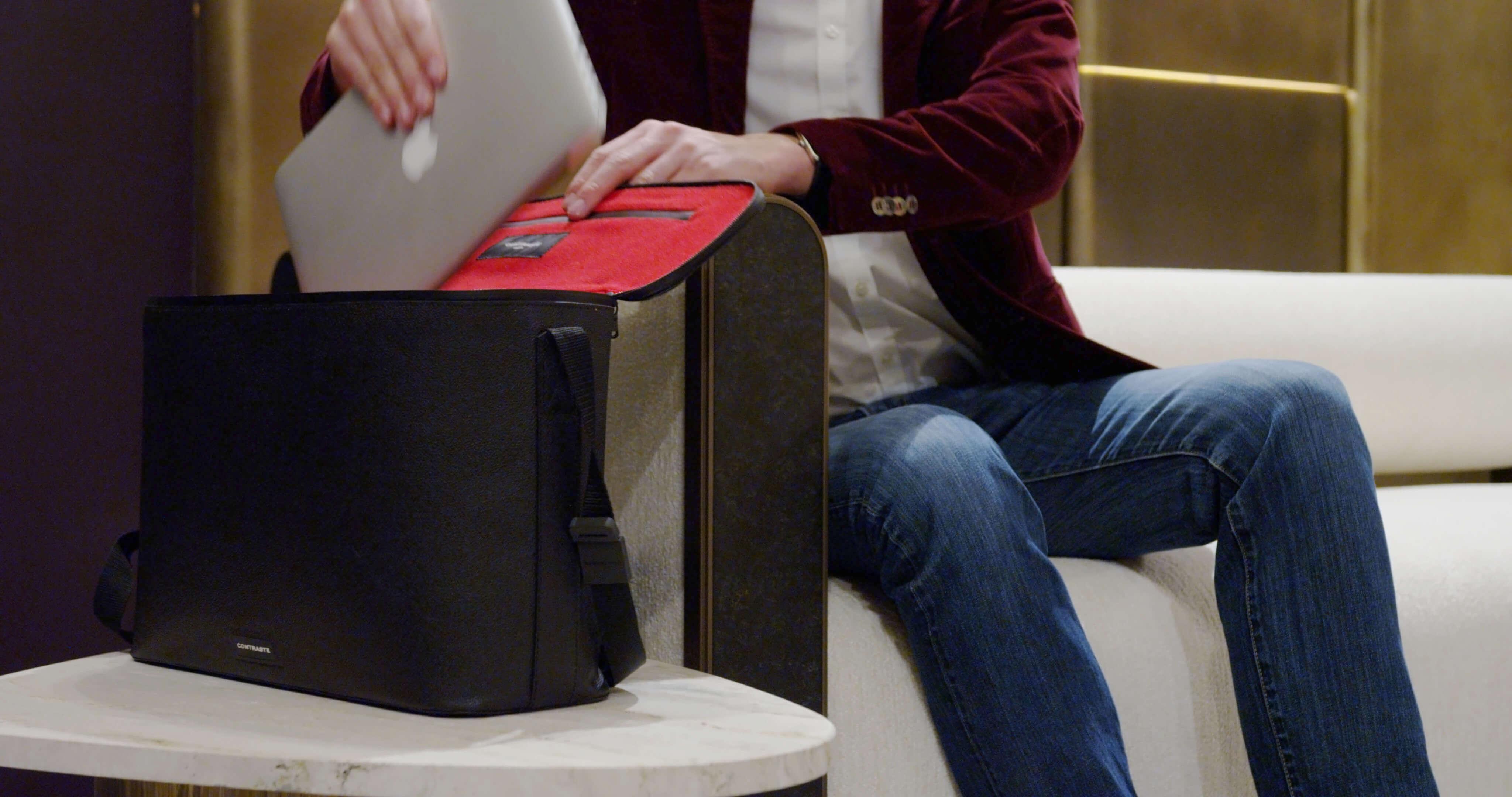 sac photo bandoulière contraste paris cuir noir étanche voyage photographe compact messenger leica ordinateur femme randonnée compact