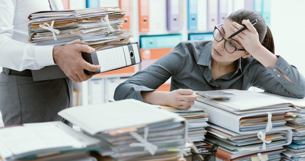 Por onde começar para acabar com os papéis em sua empresa?
