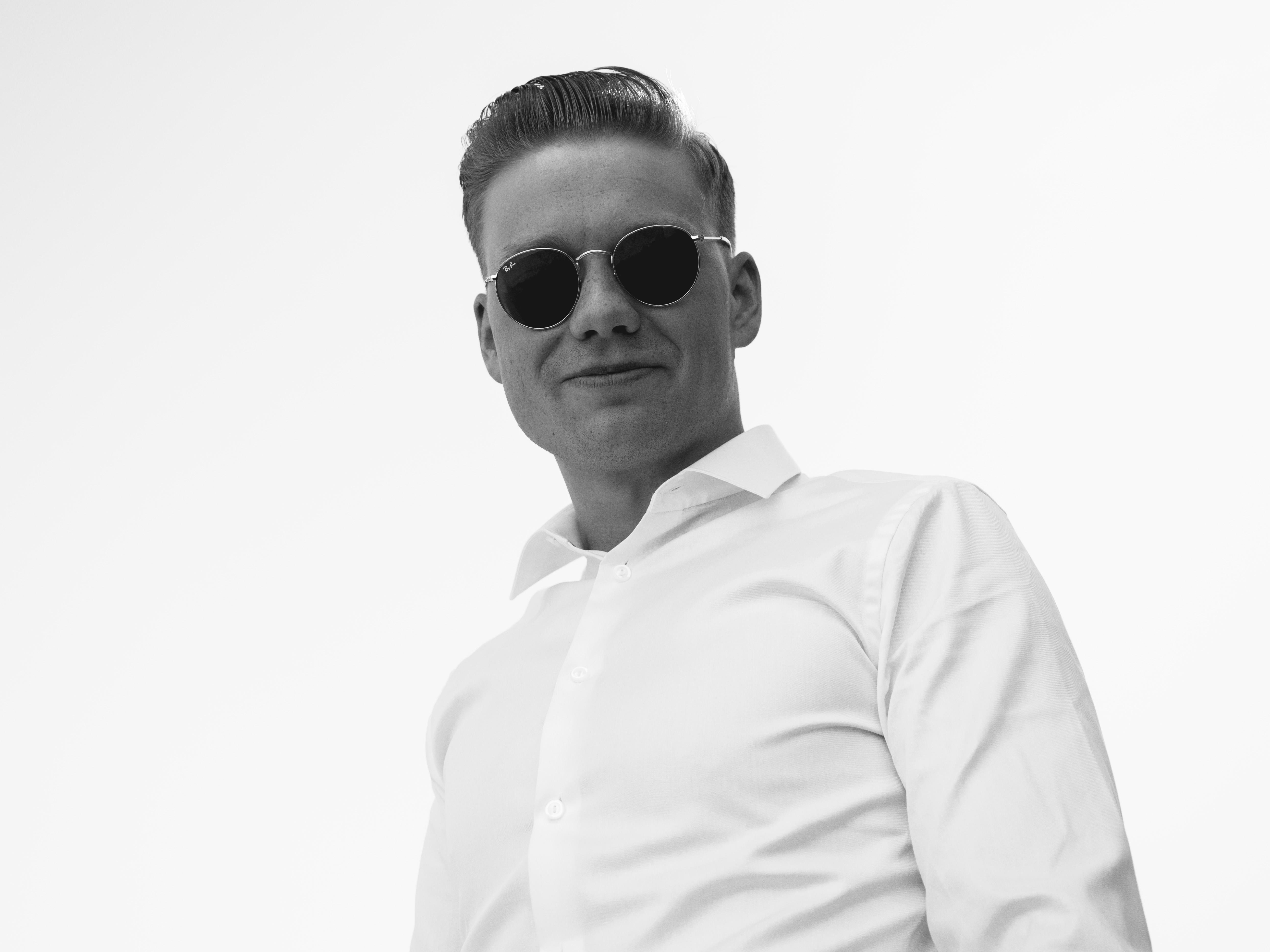17. Mai 2019 - Man with Sunglasses
