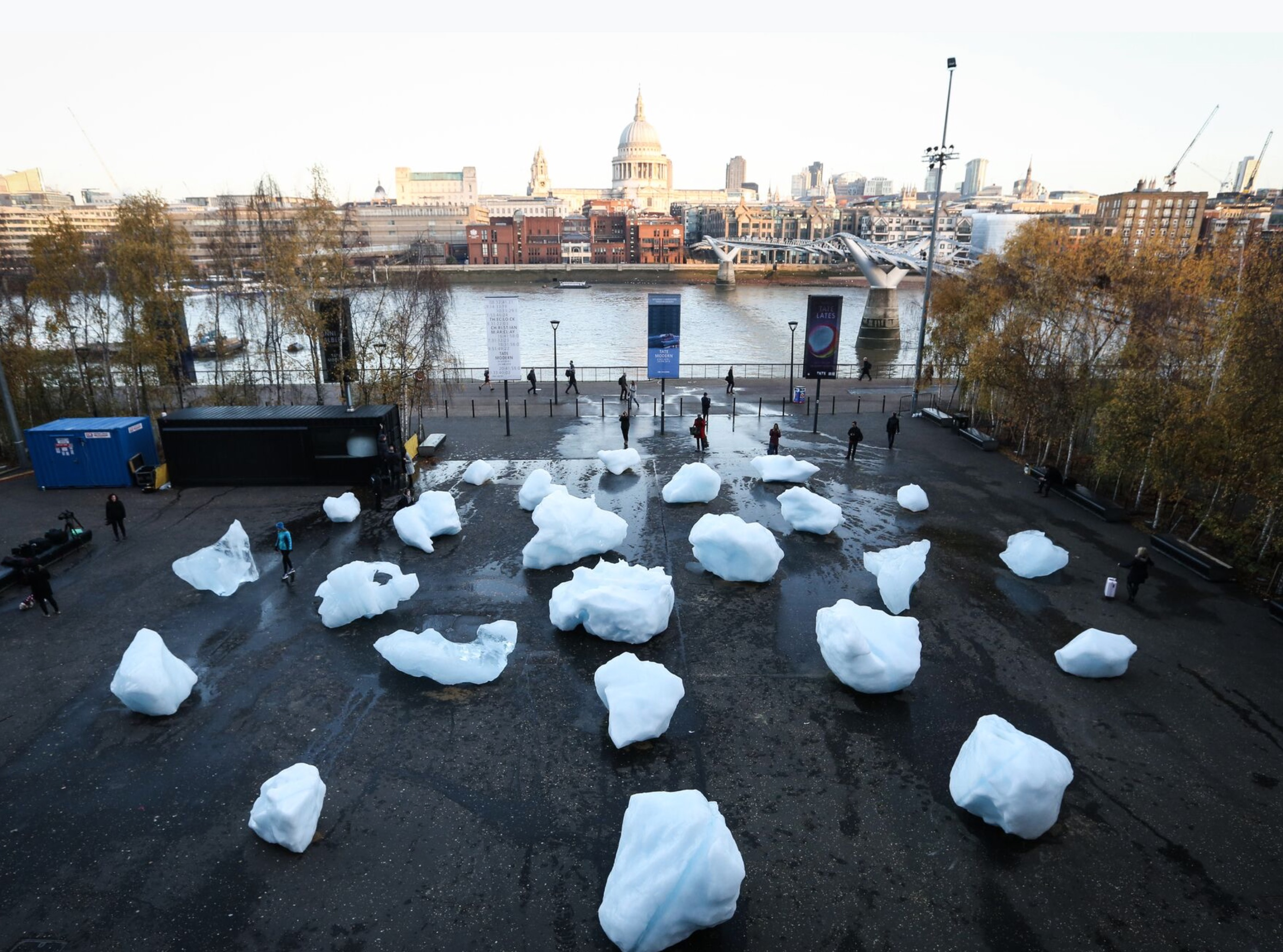 Ice Watch: the effects of global warming in Olafur Eliasson's installation  | Collater.al