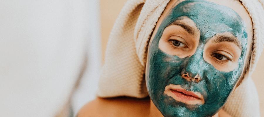 Återfuktande ansiktsmask – Så kan den hjälpa dig