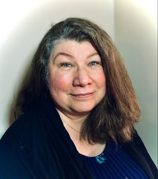 Headshot for Carolyn Lawson