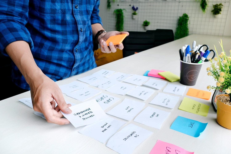 Brainstorming am Tisch