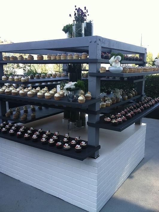 bridal bash cupcake wars winner display