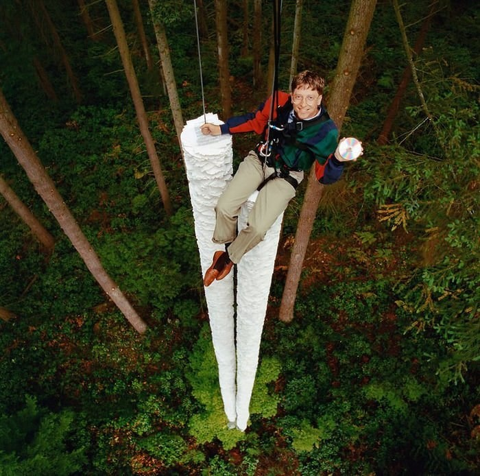 Bill Gates 1994: This CD-ROM can hold more information than all the paper  that's here below me. : Damnthatsinteresting