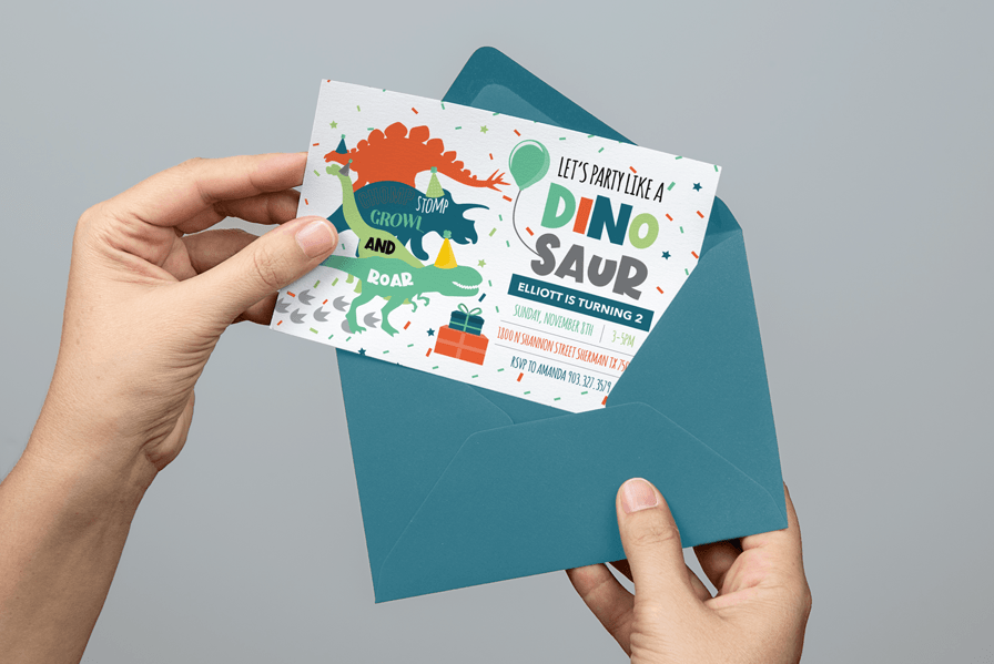 Kid's invitation party with dinasour illustration