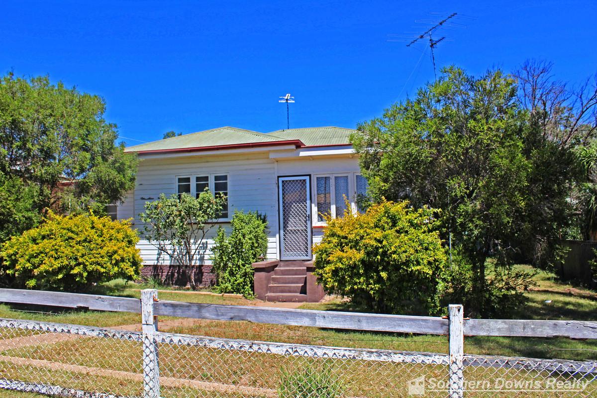 1 Clarke Street, WARWICK QLD 4370