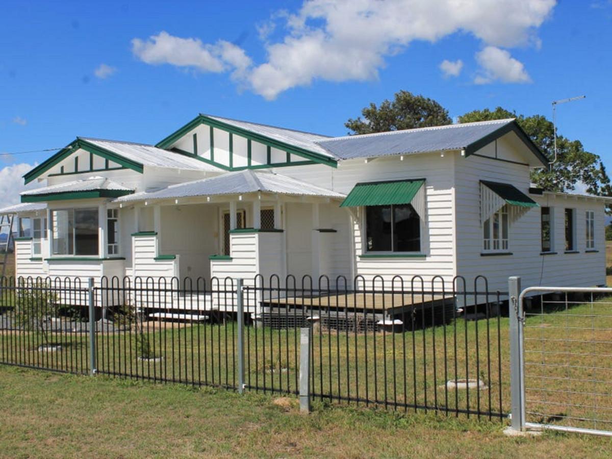 1889 Warwick-Killarney Road, LOCH LOMOND QLD 4370