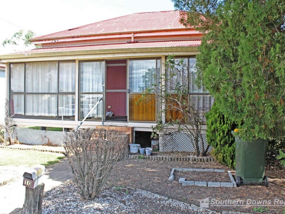 10 Pine Street, WARWICK QLD 4370