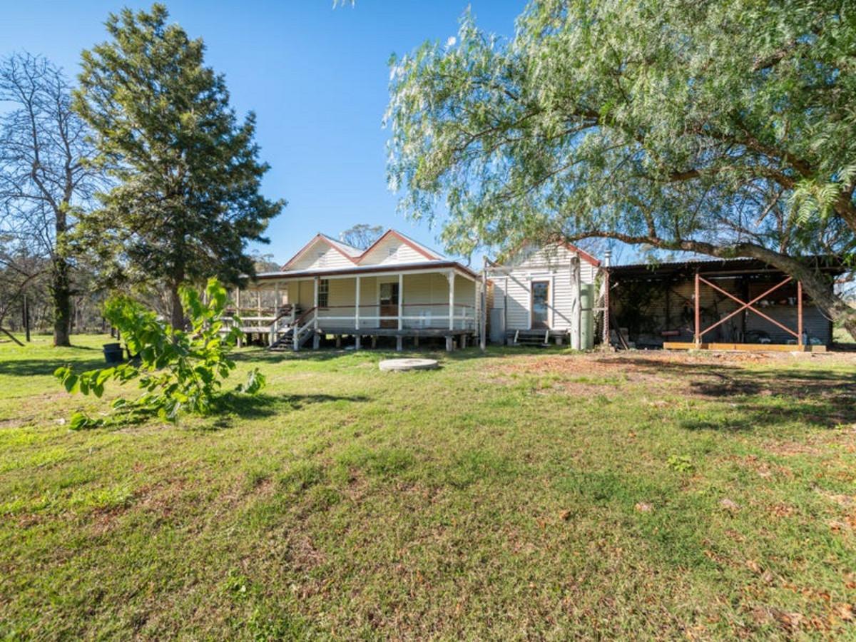 15 Bush Cottage Lane, THANES CREEK QLD 4370