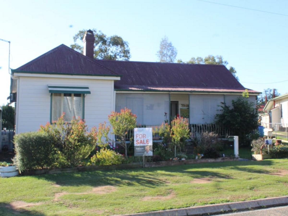 11 Rose Street, WARWICK QLD 4370