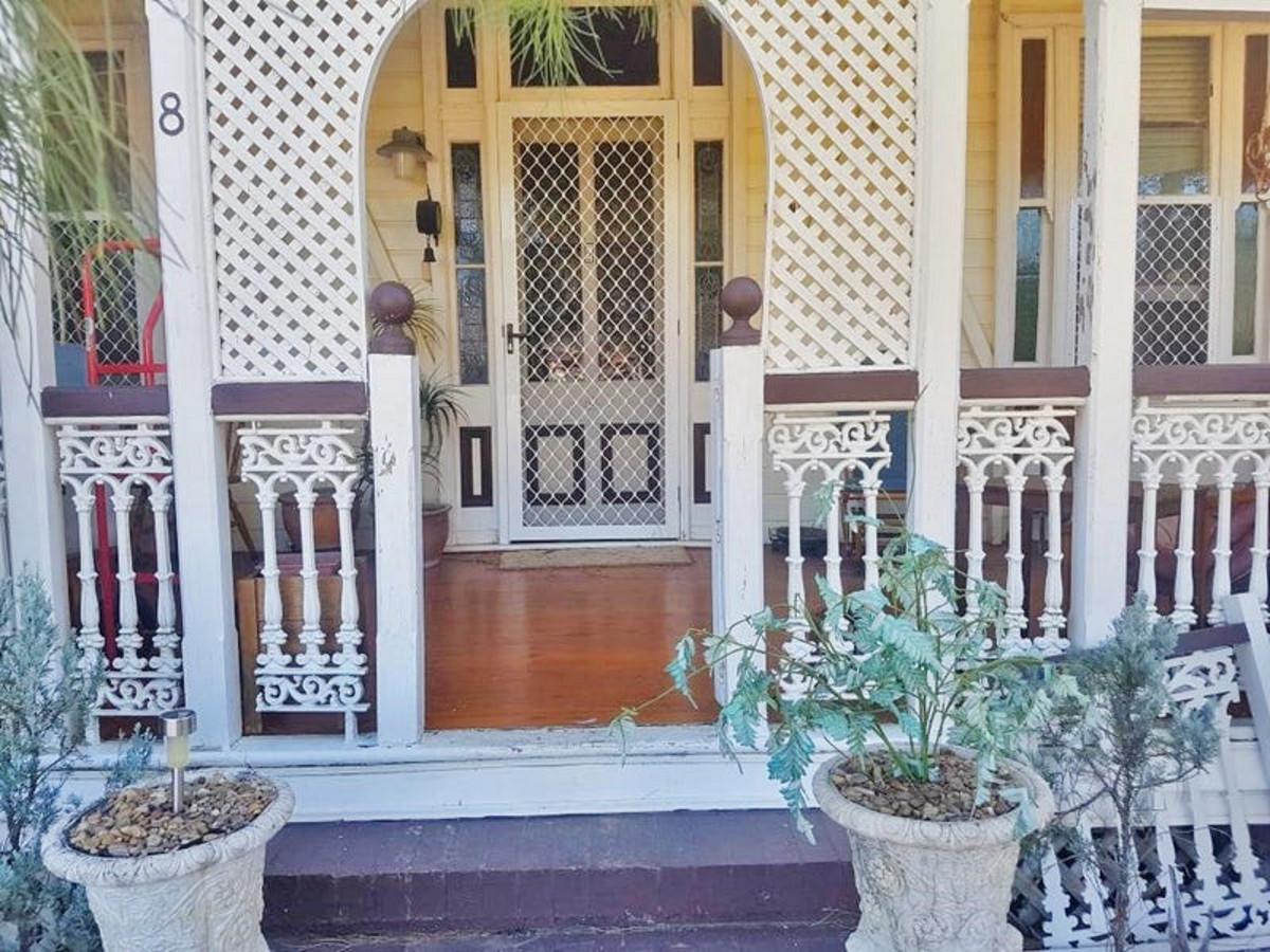 8 Drayton Street, ALLORA QLD 4362