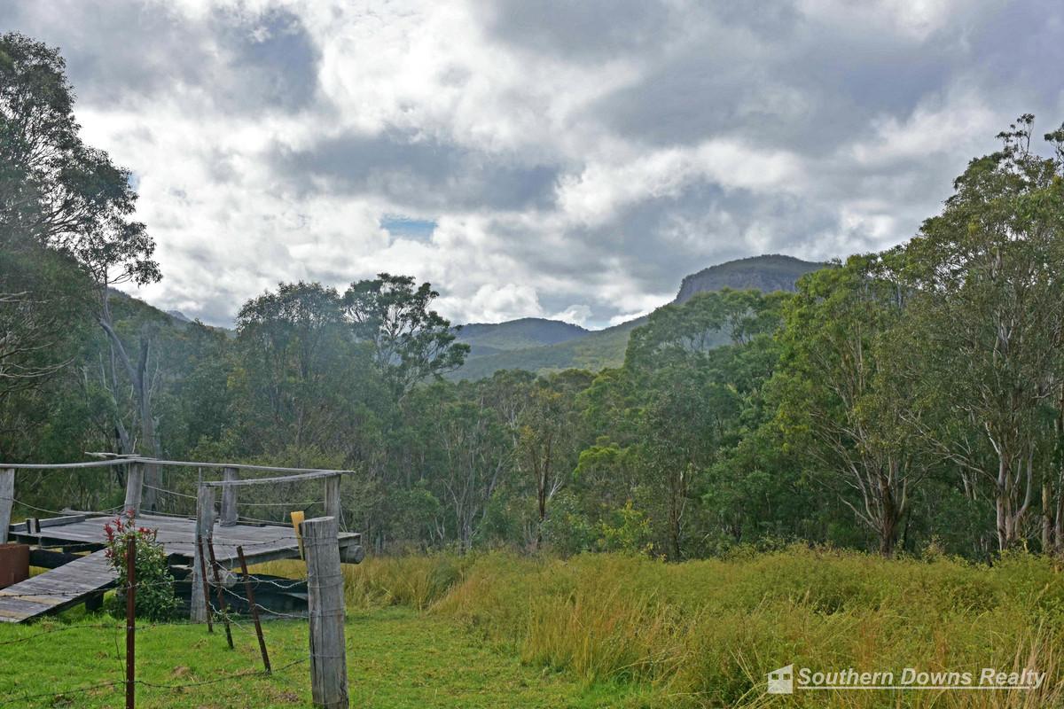 1498 Emu Creek Road, Emu Vale QLD 4371