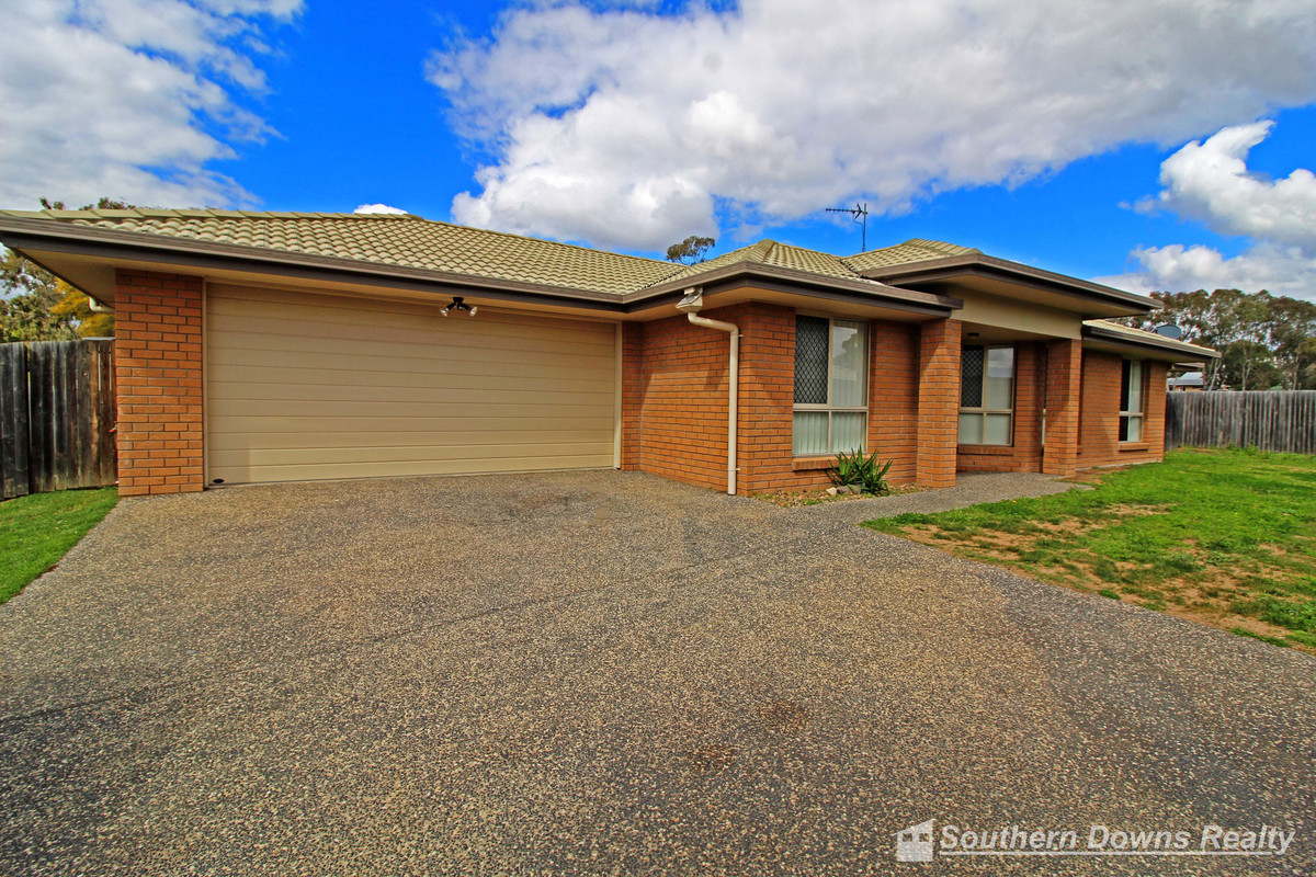 7 Rose Bud Court, WARWICK QLD 4370