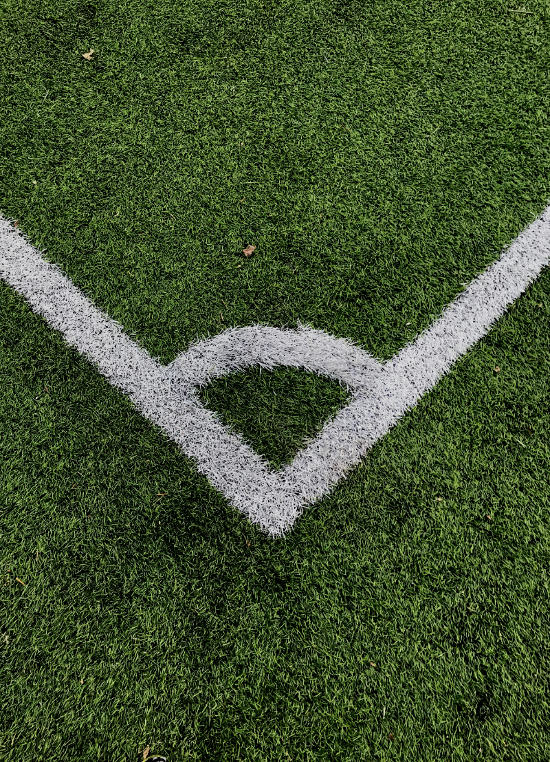 Leven Belgische voetbalclubs boven hun stand?