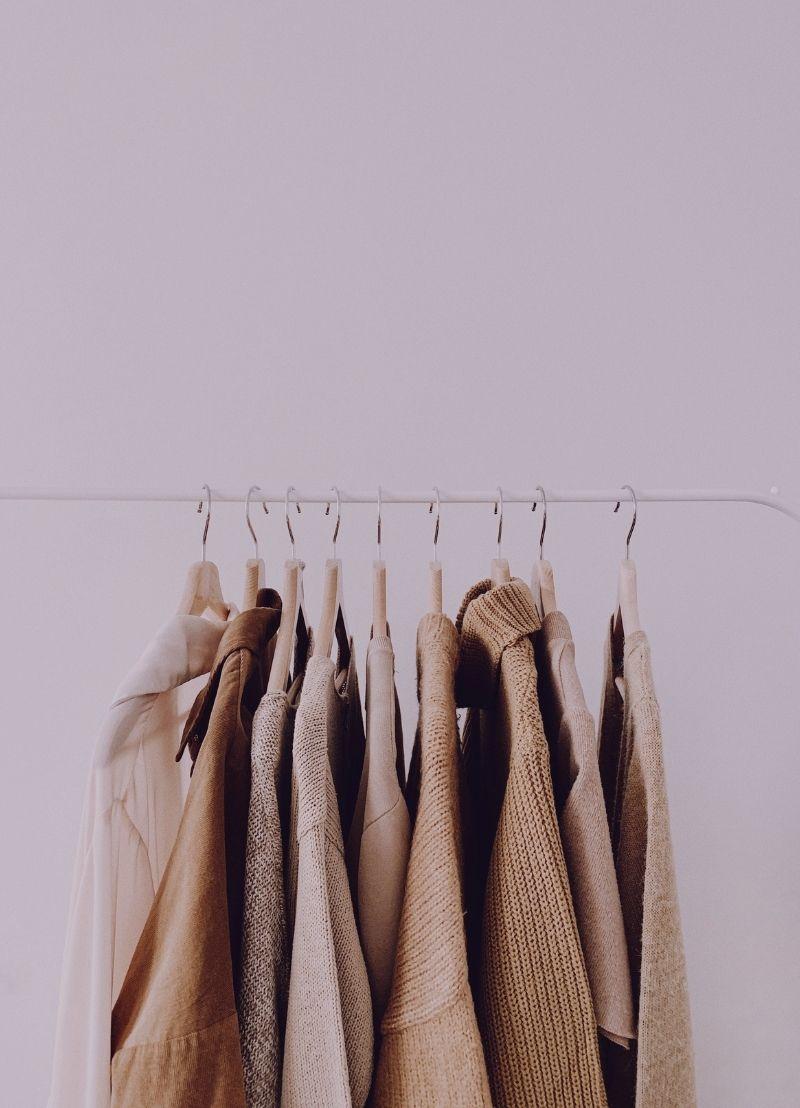 Mag je straks geen eigen kleren meer hebben?