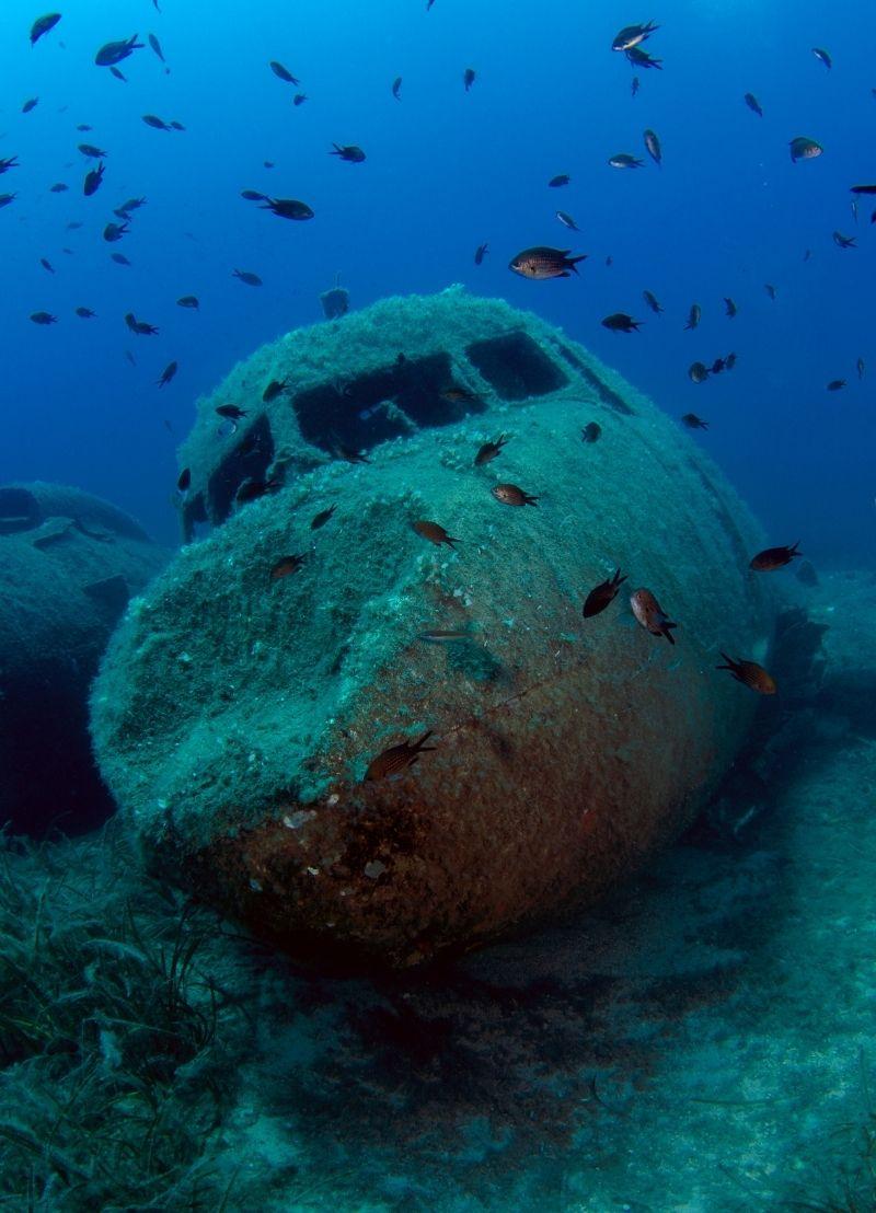 Hoe vind je een gecrasht vliegtuig in de oceaan?