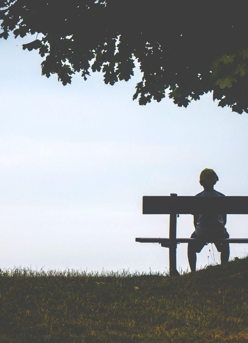 Waarom voelen jongeren zich soms eenzaam?