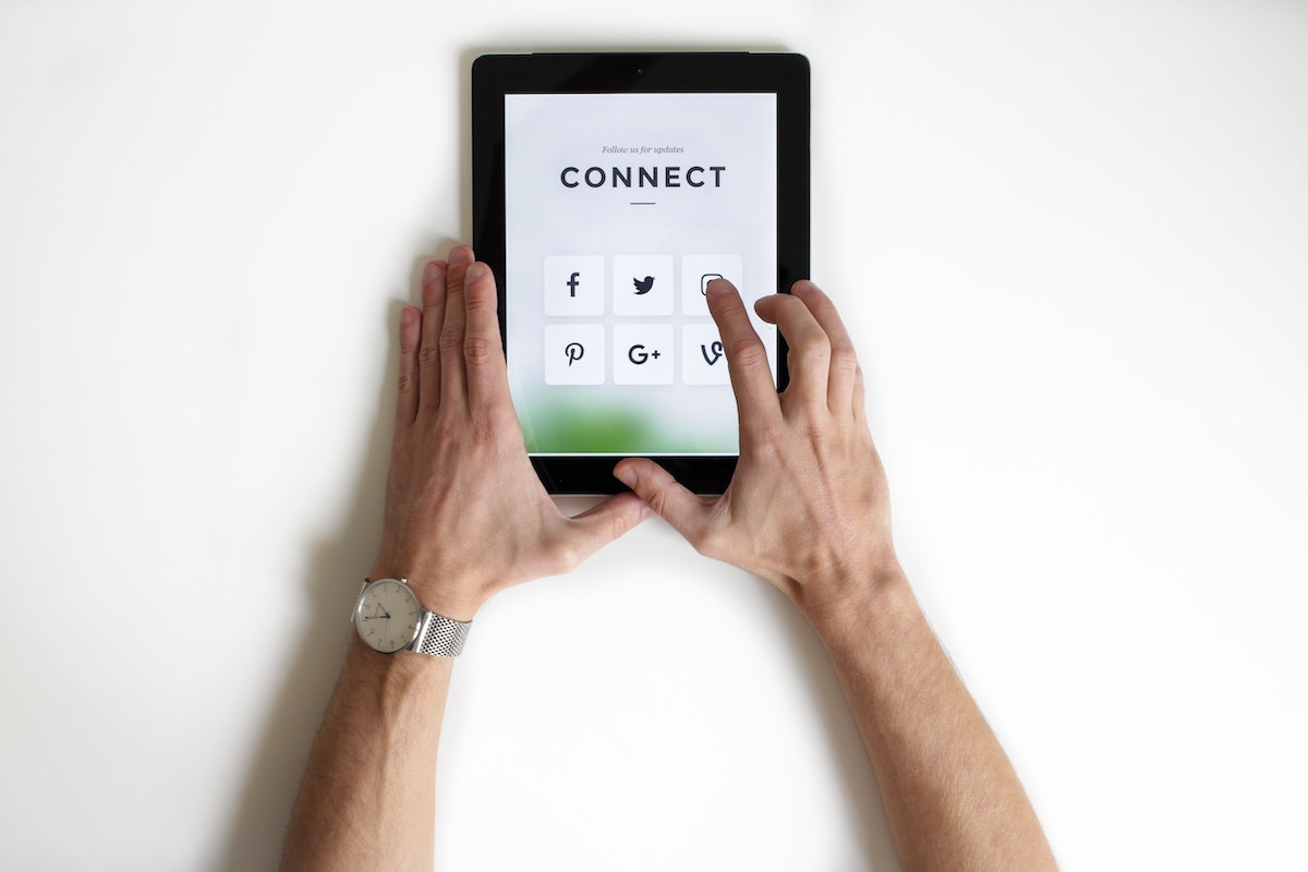 engage™ - Consumer behavior in the Digital Age