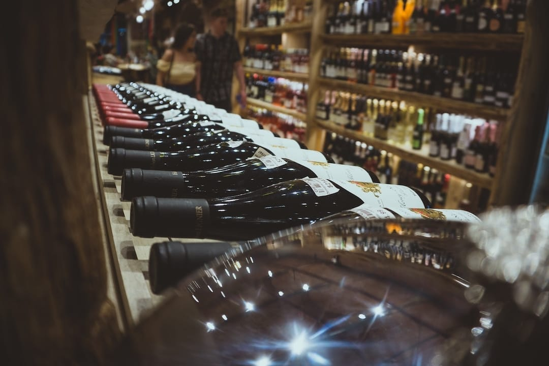 How to buy authentic wine and avoid fakes