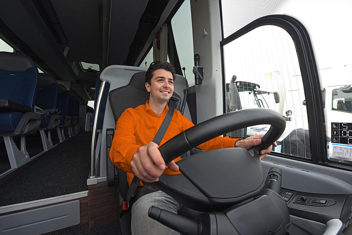 Taxipas halen in Oosterhout? Of rijbewijs voor bus of touringcar?
