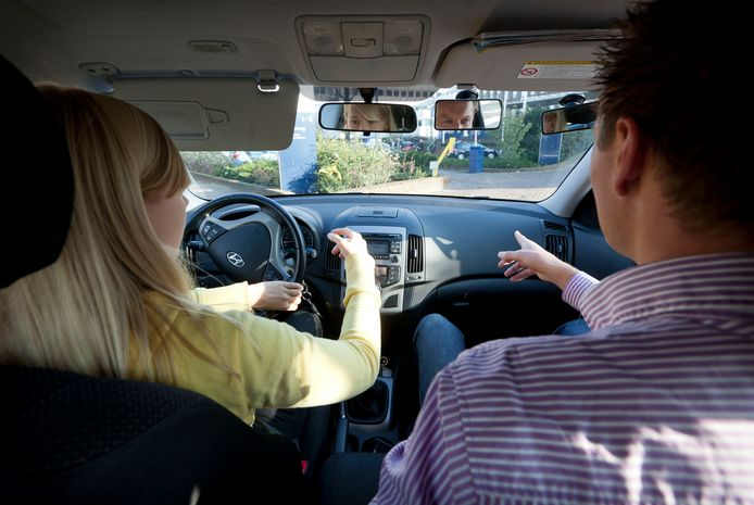 Autorijles in de auto