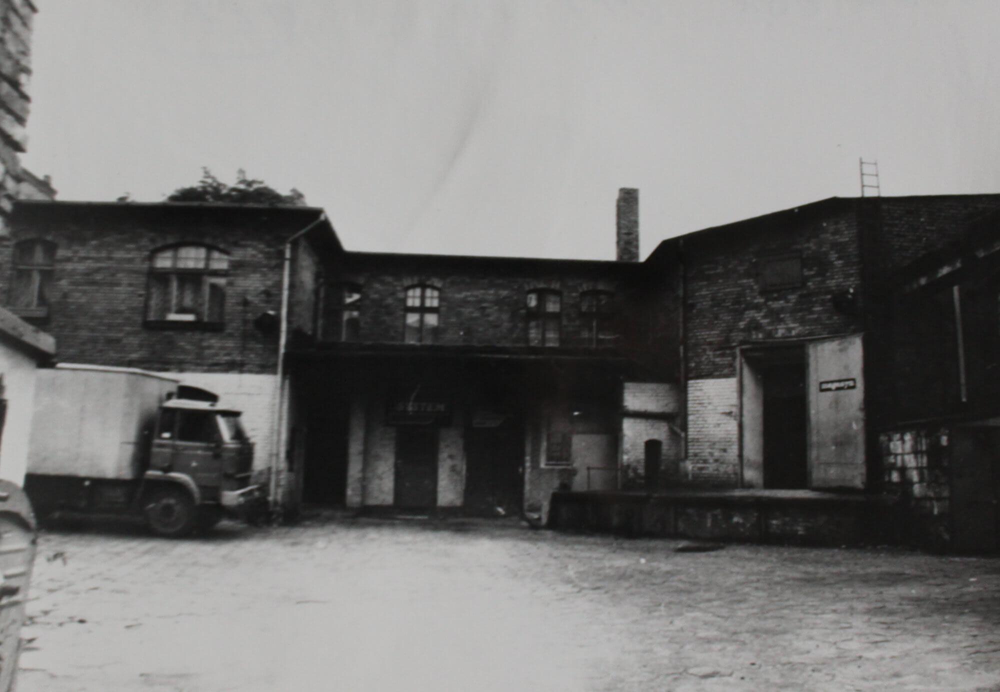 Zespół budynków handlowo-magazynowych od strony zachodniej