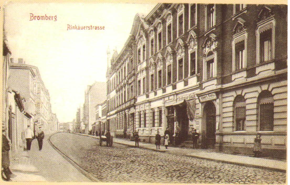 Zdjęcie ulicy Pomorskiej z 1907 r. By Wikibenchris - Own work, CC BY-SA 4.0