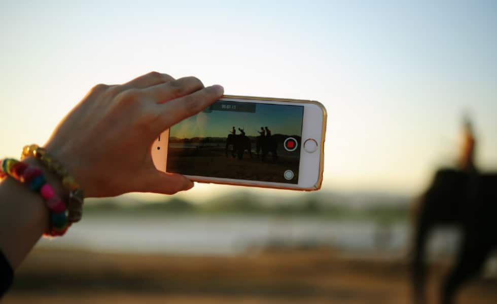 Using a smartphone to film video content