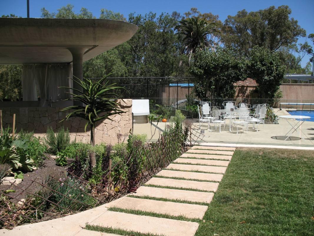 resicon master builders garden house