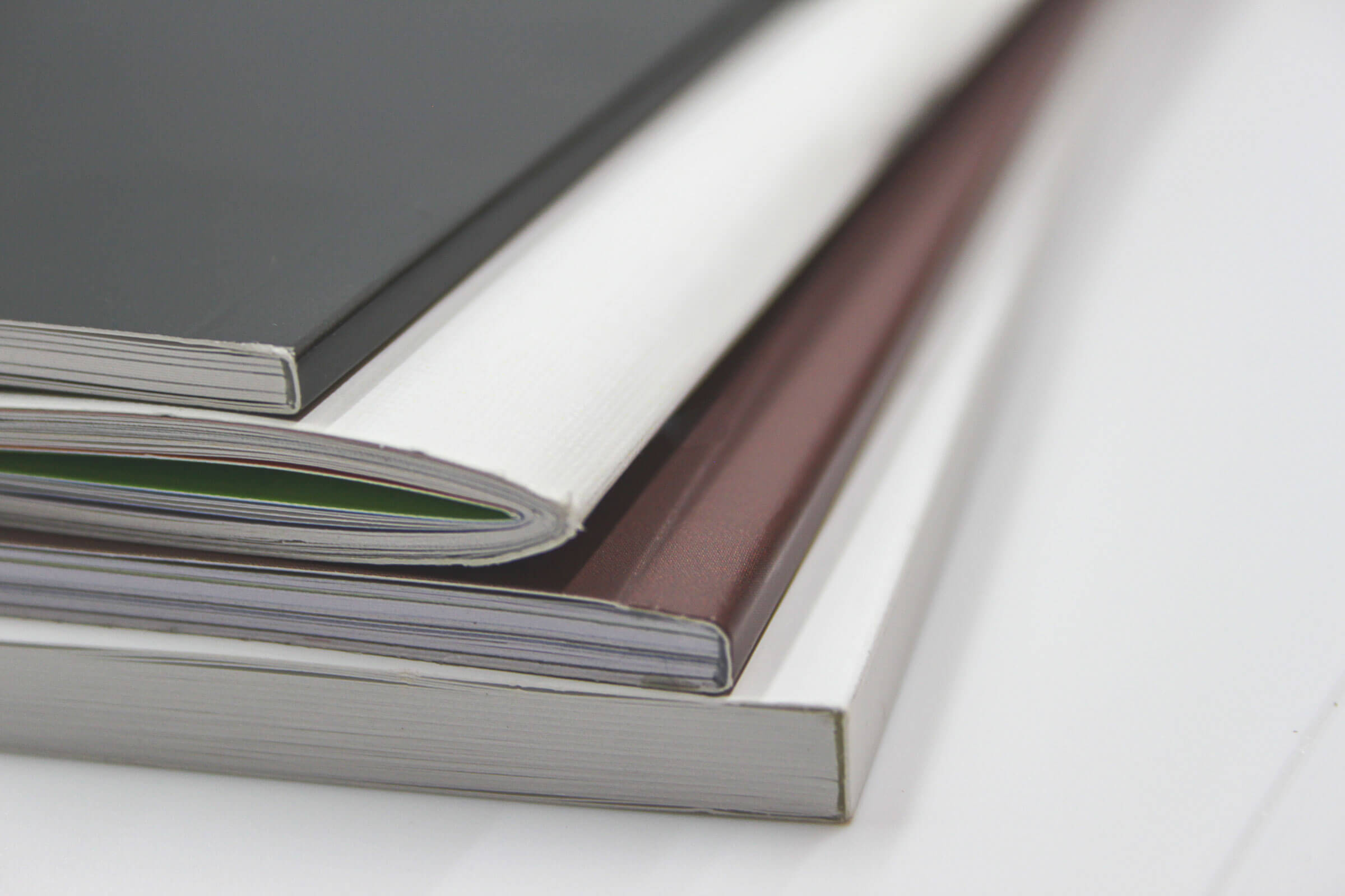Broschüre, Vereinsheft, Zeitschrift, Geschäftsbericht