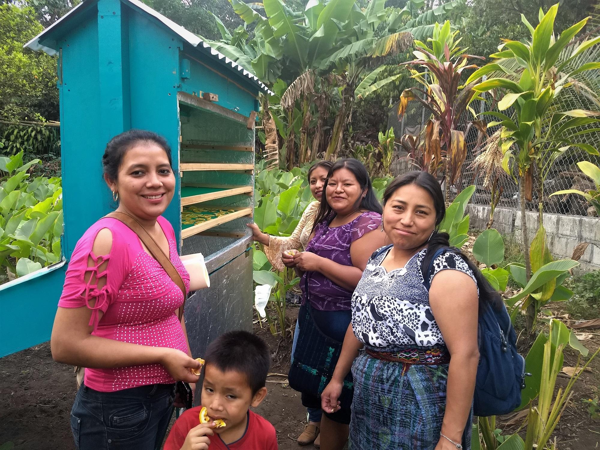 Las tecnologías ecológicas nos ayudan a cultivar alimentos y respaldan a nuestra comunidad.