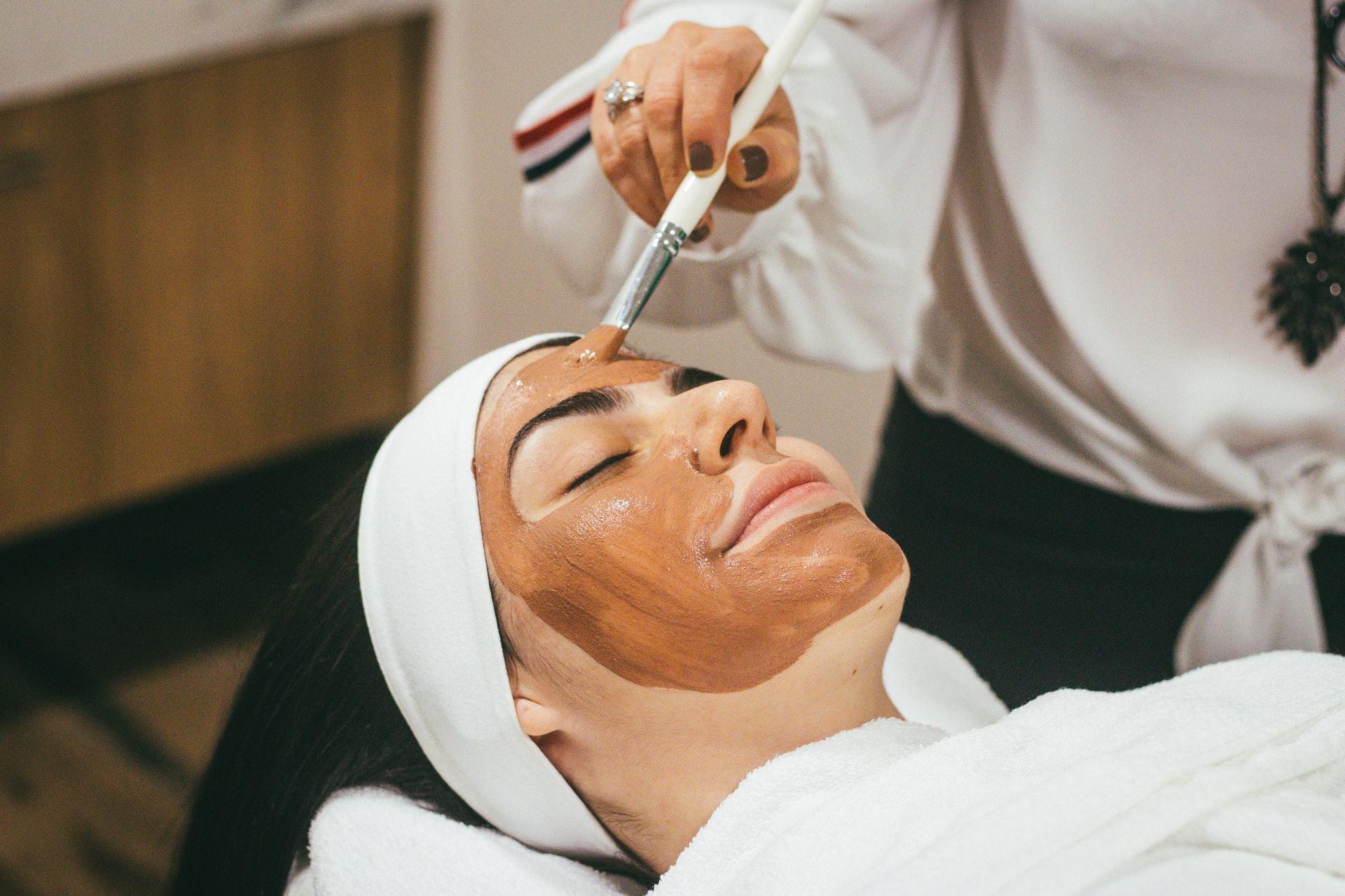 5 Reasons Why You Need Facials Regularly