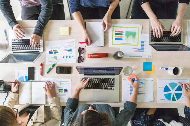 What are the advantages and disadvantages of working in open-space?