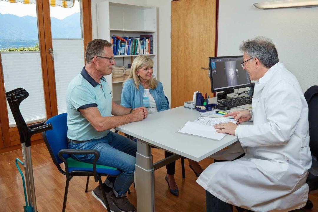 Doctor advises rehabilitation patients