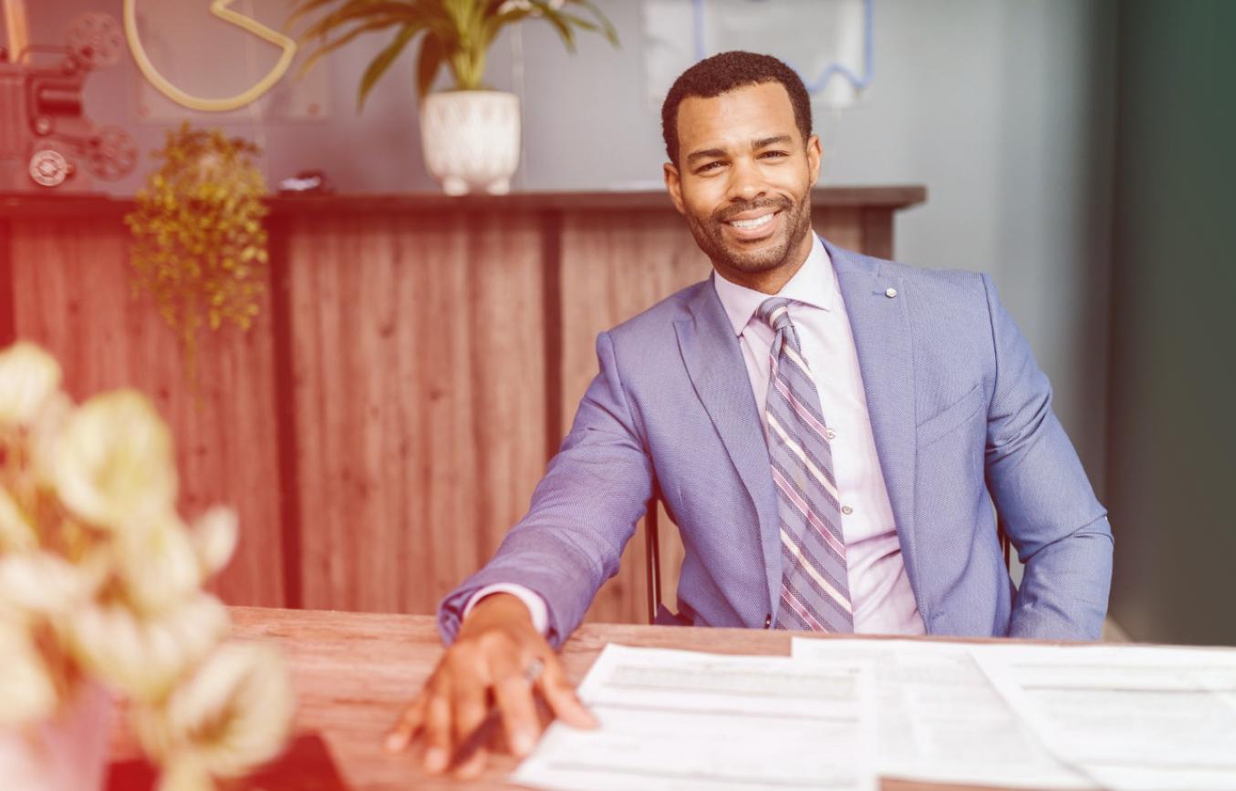Você conhece o CRECI? Essencial para os corretores de imóveis, é responsável por auxiliar em diversos processos necessários para o profissional. Nesse artigo, trouxemos algumas informações importantes quanto ao CRECI e instruções de como tirá-lo.