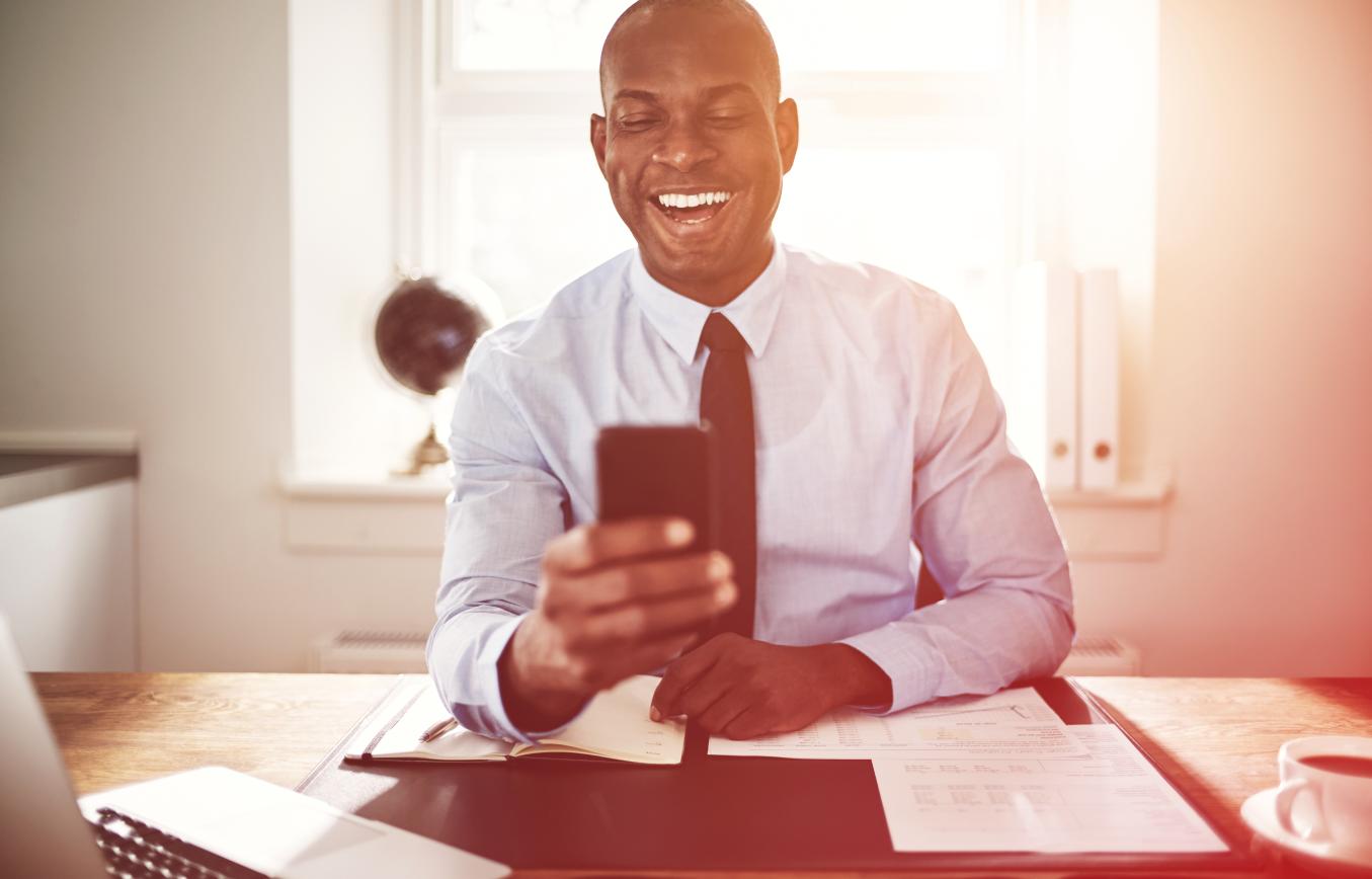 A contabilidade digital tem ganhado cada vez mais adeptos, não somente pela praticidade, mas porque esse tipo de serviço oferece uma redução de custos que o modelo tradicional não oferece. Nós trouxemos cinco motivos para você migrar da contabilidade tradicional para a digital.
