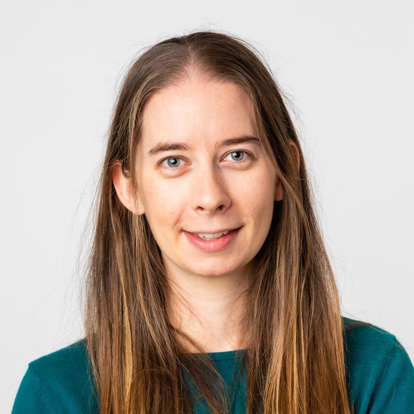 Dr Caroline Tuck