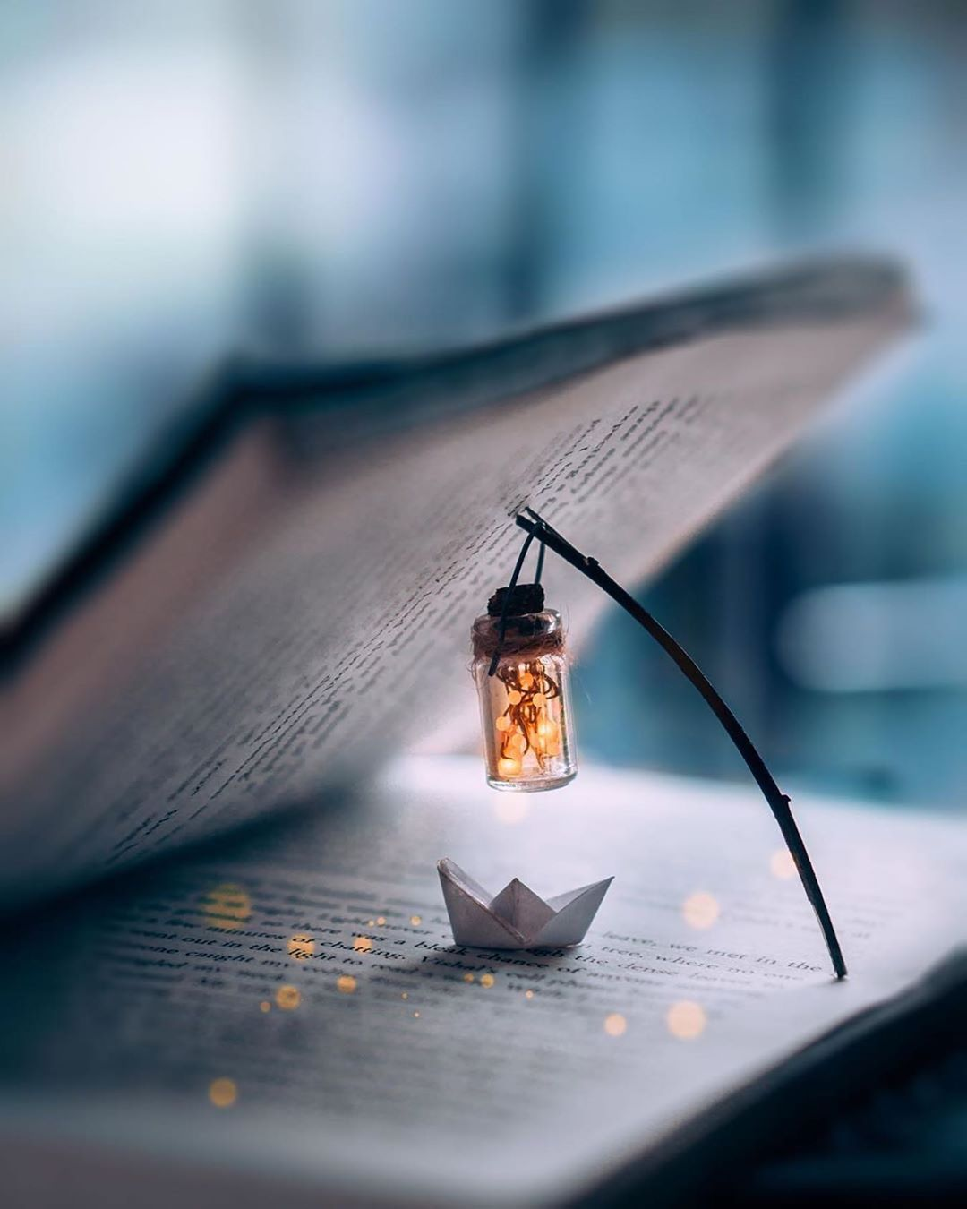 book, lantern, light, knowledge, wisdom, learning, love learn play, philosophy, religion, knowledge integration, interdisciplinary, collective wisdom, humanity
