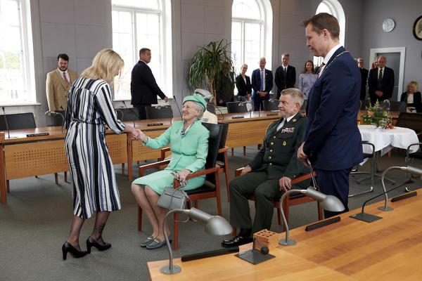 Dronningen i Nyborg byrådssal