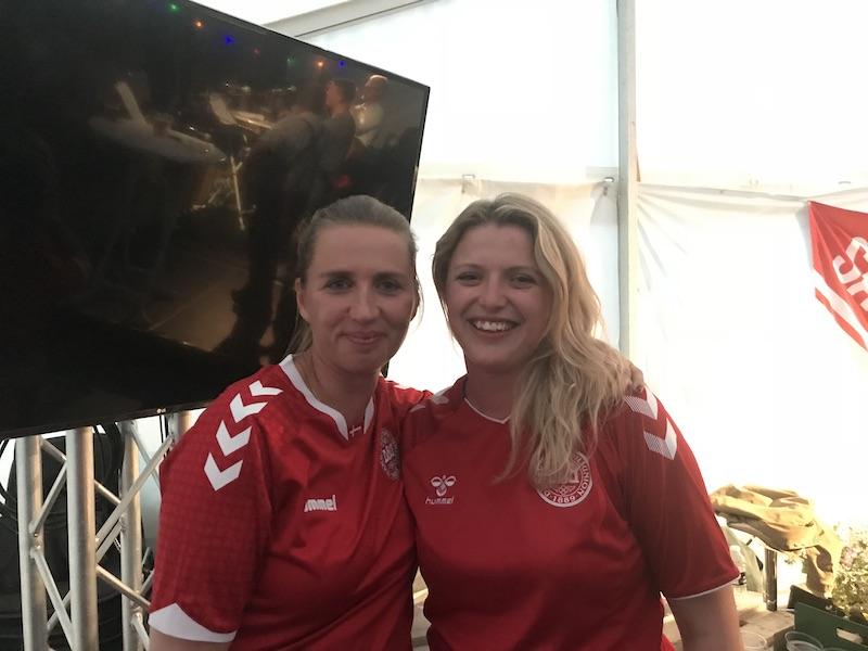 Mette Frederiksen og Sonja VM fodbold