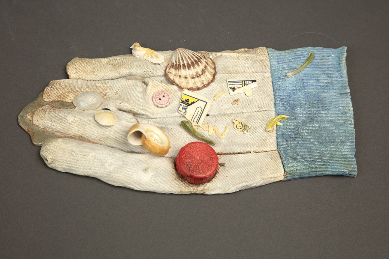 Richard Shaw Low Tide Glove and Shells