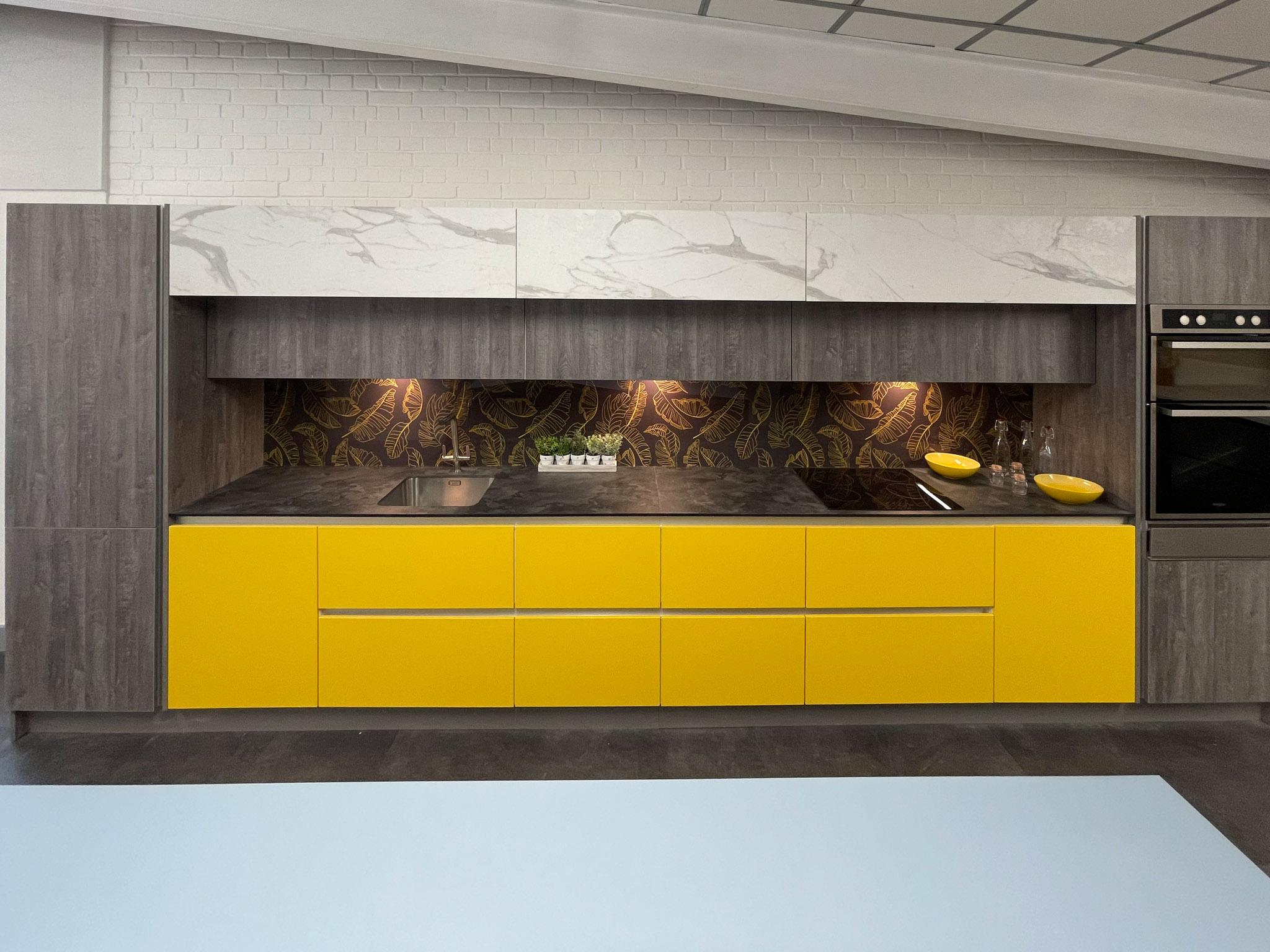 Yellow, white marble, wood effect kitchen