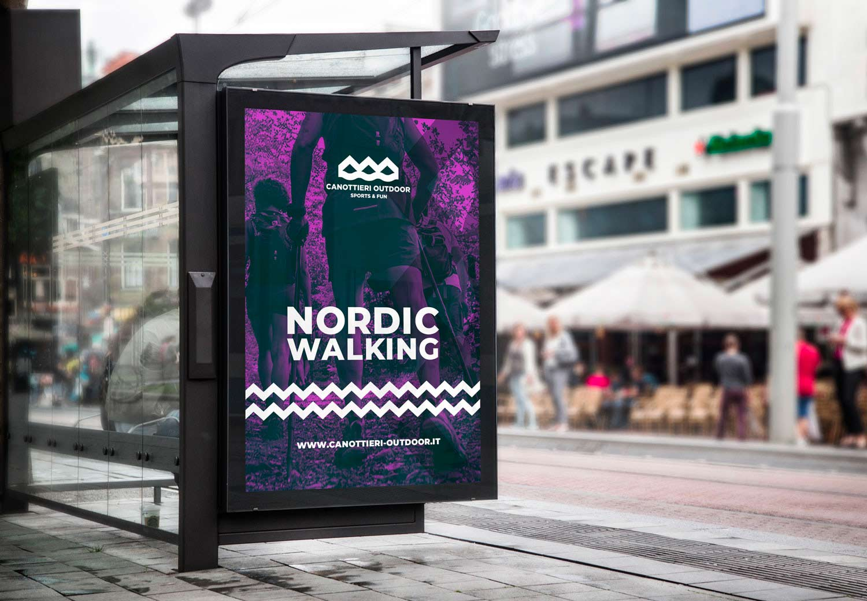 mockup di una fermata del bus con la pubblicità della brand identity e logo di canottieri outdoor su sfondo viola