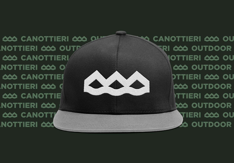 mockup di un cappello nero con il logo di canottieri outdoor ricamato in bianco