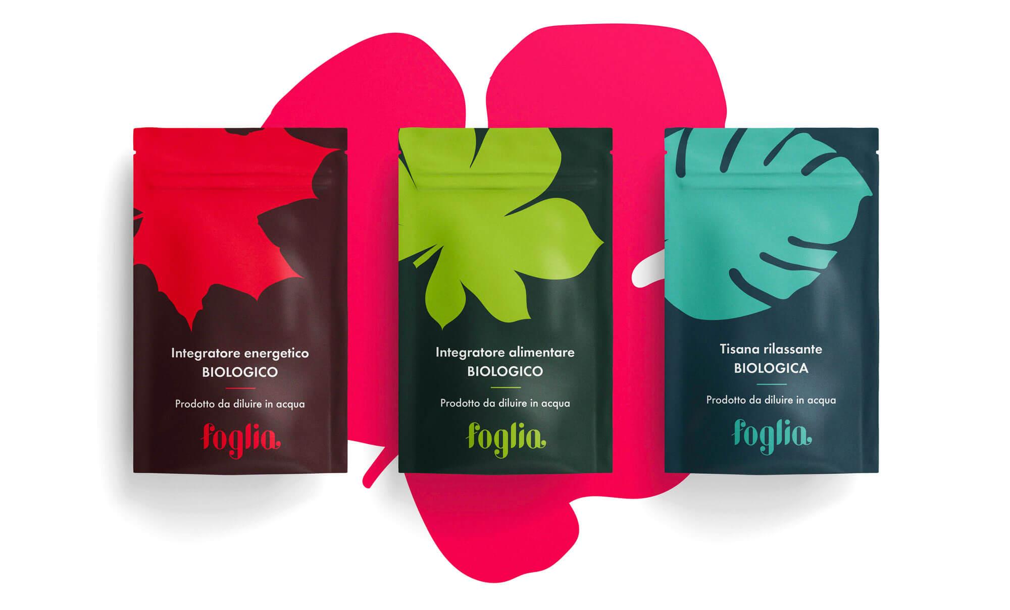 tre packagings di integratori alimentari e tisane di colore rosso, verde e blu con logo e brand identity di foglia
