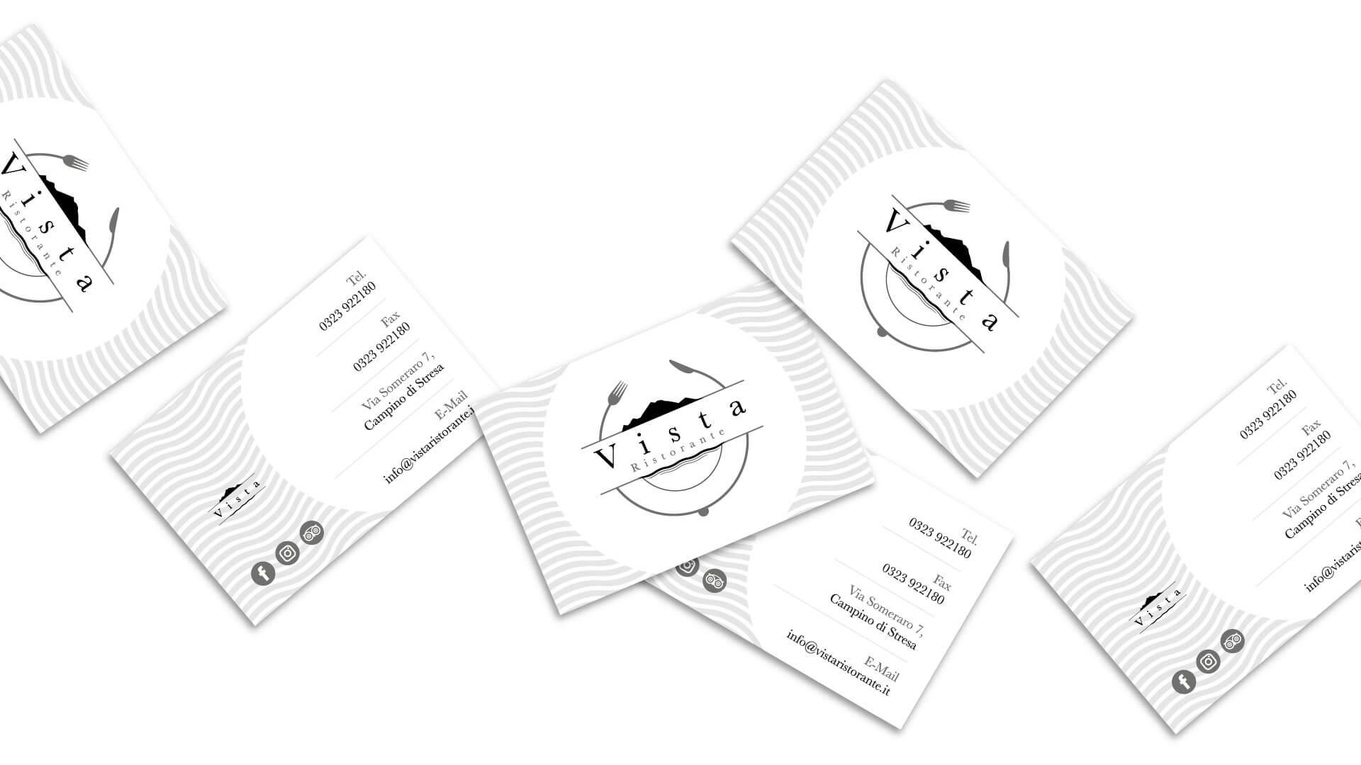 sei biglietti da visita di colore bianco con il logo e brand identity design del logo Vista Ristorate su sfondo bianco